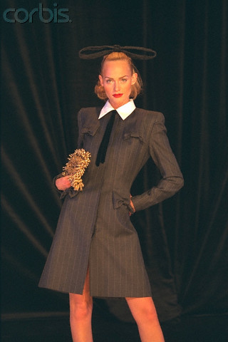 Amber Valetta in Givenchy Prêt-à-porter FW 1996-97 Pierre Vauthey photo
