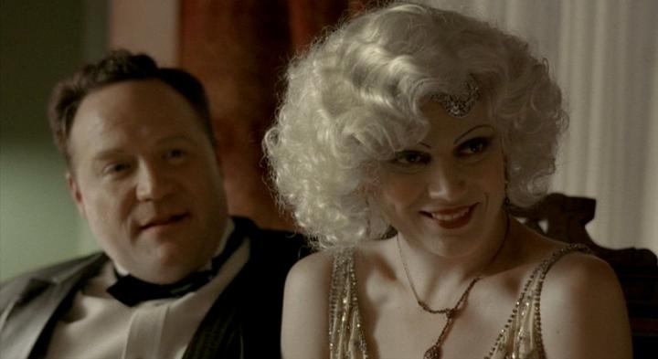 1920s party couple Sidney (Lenny Schmidt) and companion (Kim McKean). True Blood s2