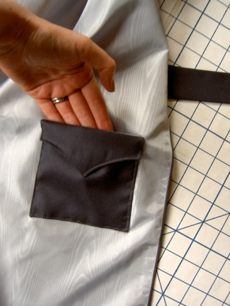 inside pocket 1920s cape McCall 4459 Miler Soeurs