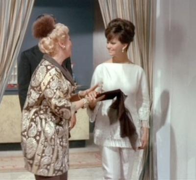 Princess Dala (Claudia Cardinale) wearing Galitzine pants and tunic in The Pink Panther (1963)