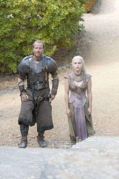 Iain Glen) and Daenerys Targaryen (Emilia Clarke) in Game of Thrones ...