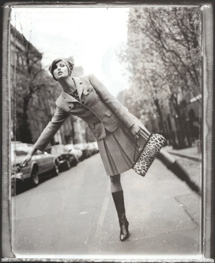 Linda Evangelista in a mod skirt suit from Anna Sui's FW 1995 collection, photographed by Patrick Demarchelier