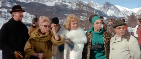 1960s ski resort fashions in The Pink Panther