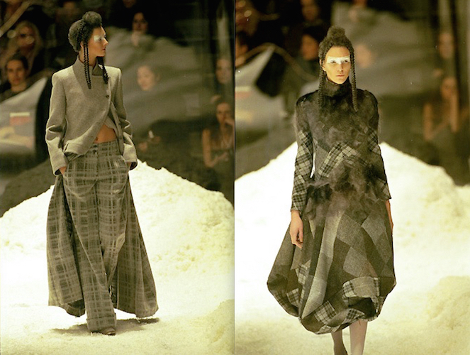 Sunniva Stordahl and Hannelore Knuts in grey checks and tartan in Alexander McQueen FW 1999 (The Overlook)
