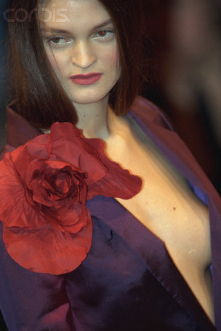 15 Oct 1998 --- GUY LAROCHE: SPRING-SUMMER 1999 PRET A PORTER COLLECTION --- Image by © Thierry Orban/Sygma/Corbis