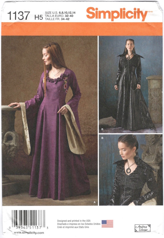Game of Thrones Sansa Stark / Dark Sansa pattern Simplicity 1137
