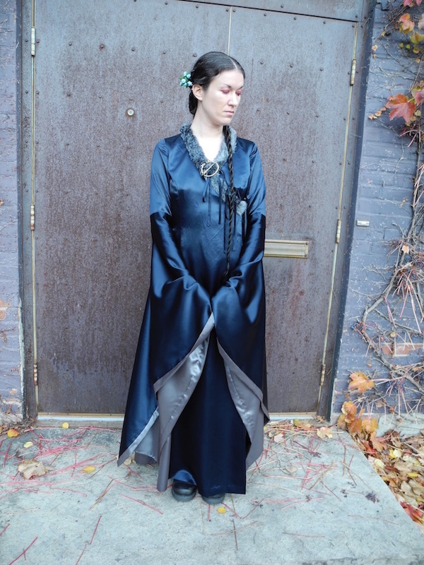 Lyanna Stark costume, front view (McCall's 6940)