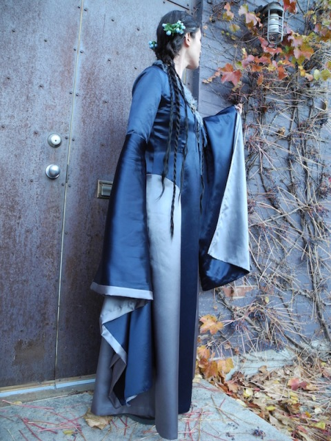 Lyanna Stark costume, side view (McCall's 6940)