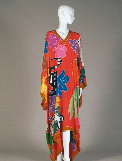 Oscar de la Renta caftan, spring 1982. Hand-painted silk crepe de chine. Kent State University Museum, Silverman/Rodgers Collection. Photo courtesy of the Kent State University Museum, photography by Erin Burns