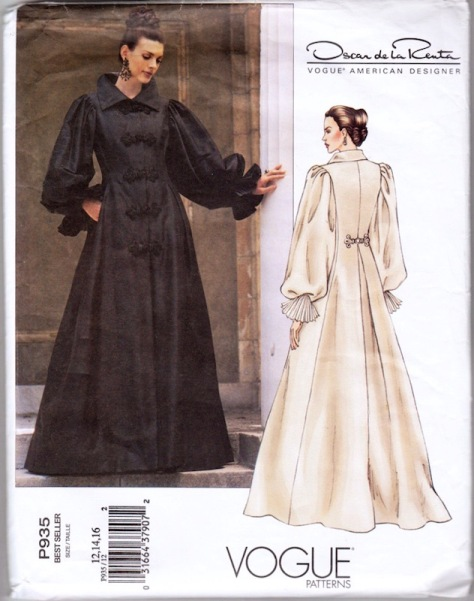 2000s Oscar de la Renta opera coat or coat dress pattern Vogue 2714 / P935