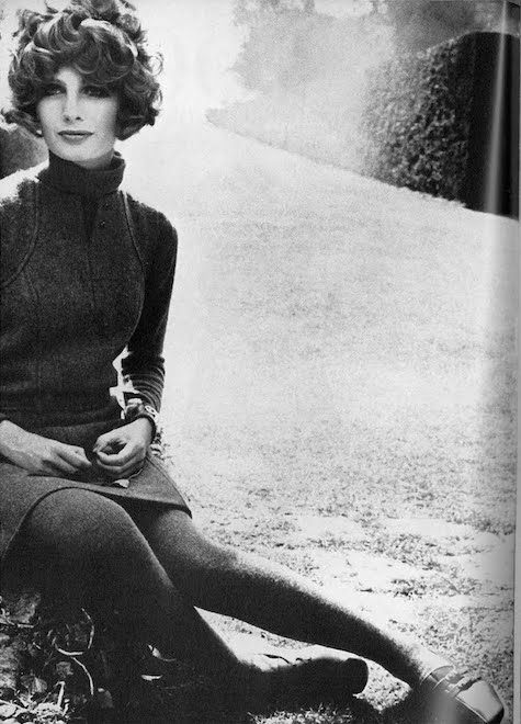 Sue Murray in a Jean Muir jumper, British Vogue, fall 1967 - Ph. David Bailey