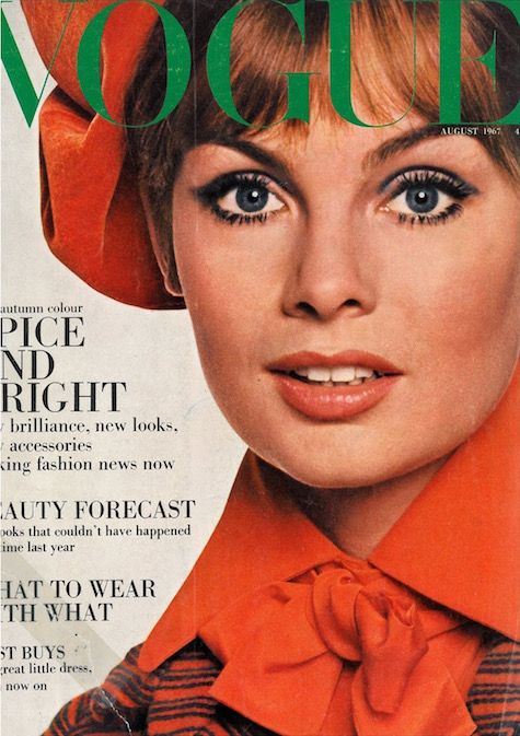 Jean Shrimpton wears a Jean Muir coat on the cover of British Vogue, 1967 - Ph. David Bailey